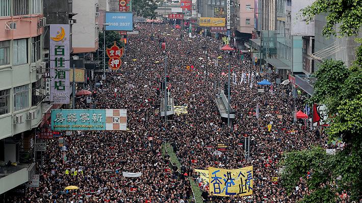Manifestantes de Hong Kong inician campaña para denunciar violencia policial durante protestas