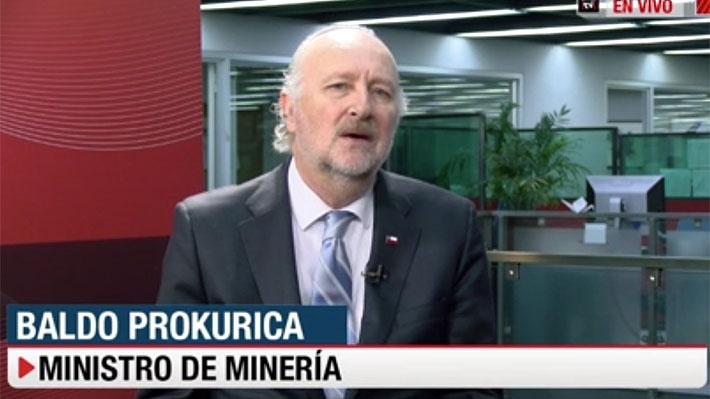 """Ministro de Minería pide """"conciencia"""" a los dirigentes de Chuqui y asegura que """"no hay espacio"""" para una oferta mayor"""