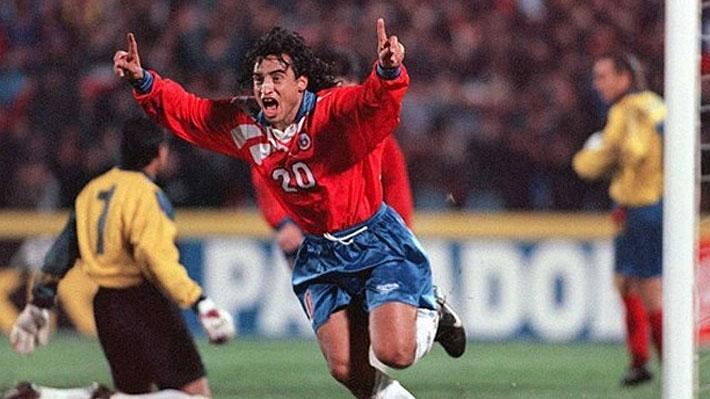 Haciendo memoria: El recuerdo del polémico gesto de Fabián Estay en la goleada de Chile ante Ecuador en 1996