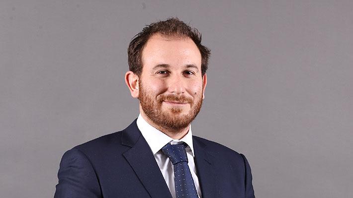 d2f34b1b8 Tras la sorpresiva renuncia de Javier Urrutia, el hijo del empresario  Andrónico Luksic, asumirá el cargo de director ejecutivo de la estación  televisiva.