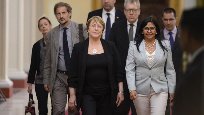 Reuniones con Maduro y Guaidó, protestas y llamado a liberar presos políticos: Los tres días de Bachelet en Venezuela