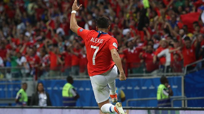 """Cómo Alexis recuperó la alegría en la """"Roja"""" y está viviendo un notable """"renacer"""" que puede ser clave en la definición de su futuro"""