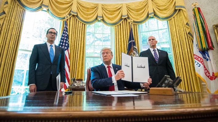 """Trump anuncia sanciones económicas """"contundentes"""" en contra del líder supremo de Irán"""