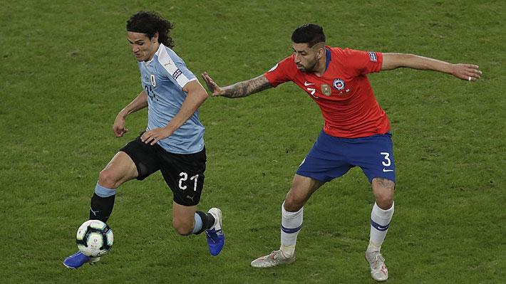 Mira el gol de cabeza con el que Edinson Cavani abrió la cuenta para Uruguay ante Chile