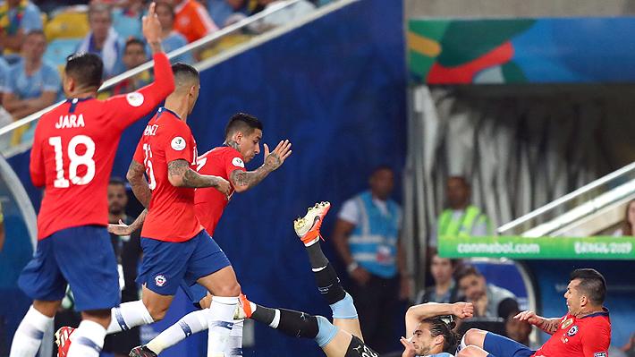 """El mensaje del camarín de la """"Roja"""" de cara a duelo ante Colombia: """"No tenemos miedo, le podemos ganar a cualquiera"""""""