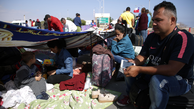 INDH asegura que venezolanos varados en Chacalluta deben ingresar al país y no descarta acciones legales