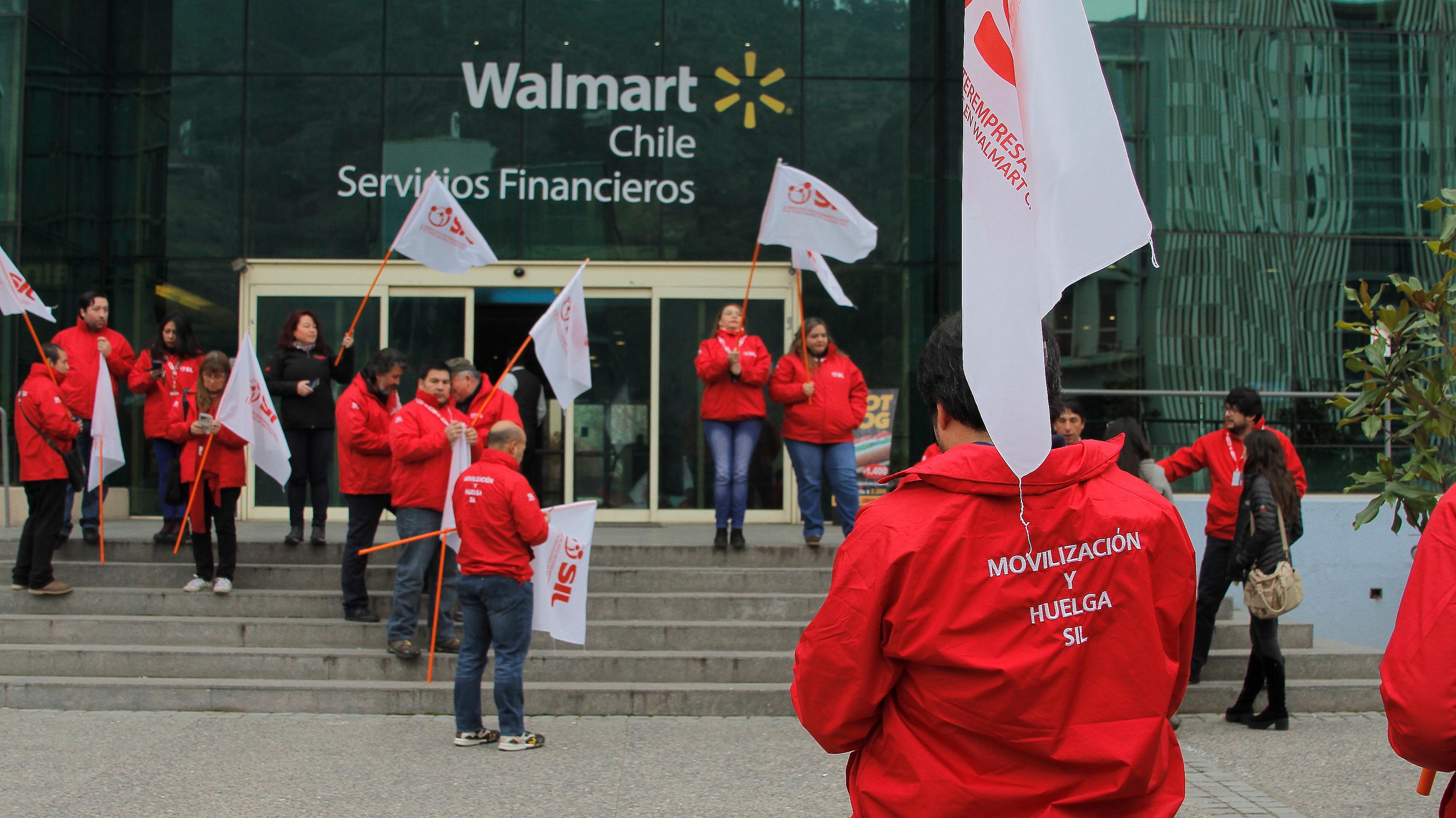 """Larraín aborda automatización y posible huelga de trabajadores en Walmart: """"Es un problema mundial"""""""