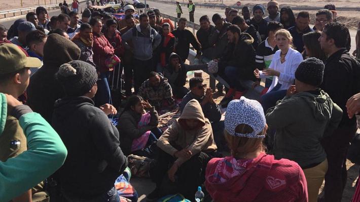 Diputados citan a jefe de Extranjería a comisión de Gobierno Interior por migrantes venezolanos en Chacalluta