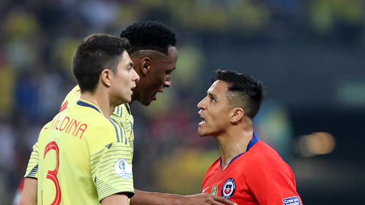 """Del """"round"""" de Alexis con un colombiano al descontrol de la banca chilena: Lo que no se vio de la clasificación de la """"Roja"""""""