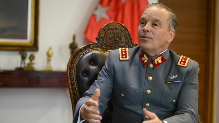 Ministra Rutherford somete a proceso a ex comandante en jefe del Ejército Humberto Oviedo en arista gastos reservados