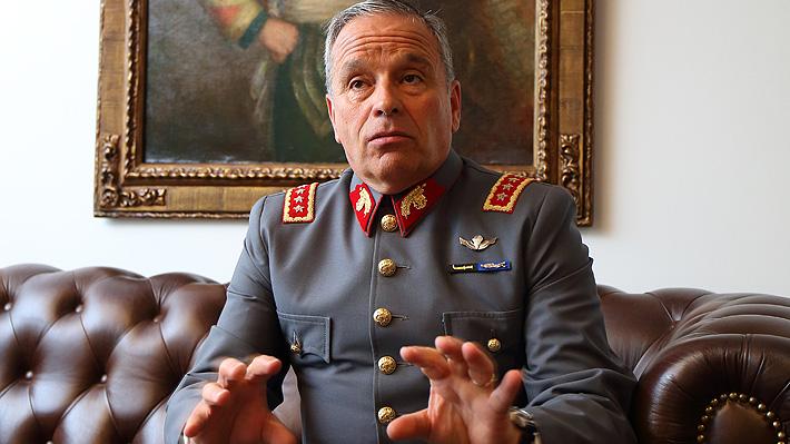 "General (r) Oviedo alega inocencia e ""ignora"" como se llegó al monto imputado"