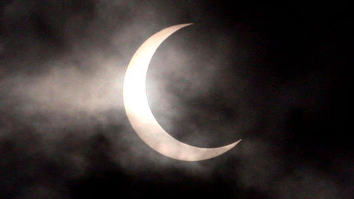 Horarios, ciencia y seguridad: Todo lo que tienes que saber del eclipse de esta tarde