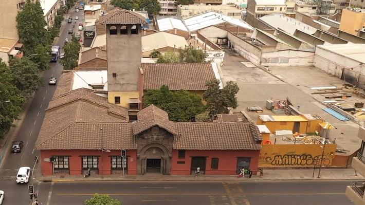 Denuncian deterioro de Monumento Histórico Casa de los Diez por construcción aledaña de un centro comercial