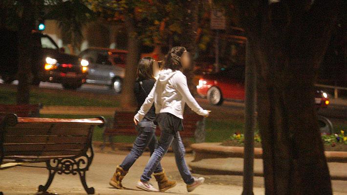 """Evópoli cuestiona restricción horaria para menores de 16 años: """"Son los padres quienes tienen esa responsabilidad"""""""