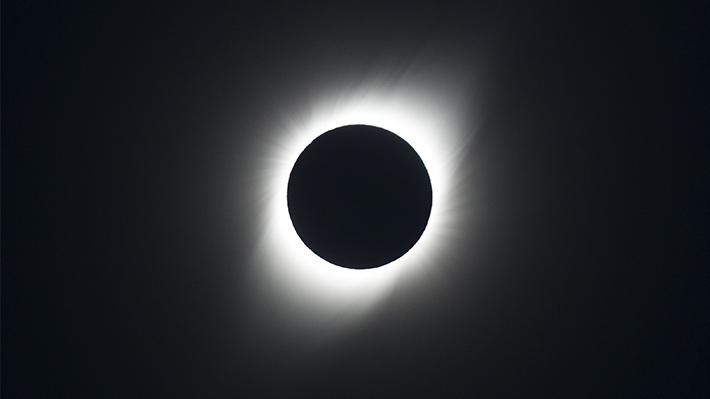 Continúa la temporada de eclipses: Así será la próxima jornada que oscurecerá a Chile en 2020