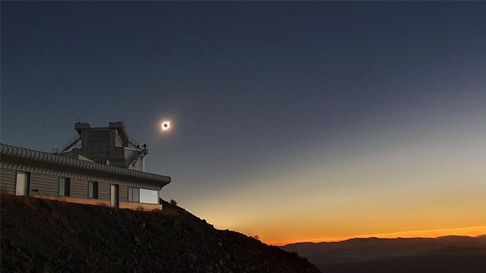 """""""Los mejores dos minutos de mi vida"""": Una vista única del eclipse total en el Observatorio La Silla"""