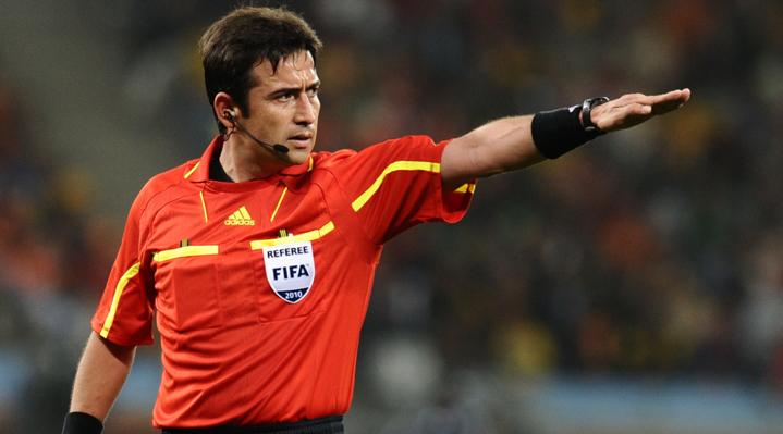 Ex árbitro FIFA Pablo Pozo cree que el VAR debió ser utilizado para ambas jugadas dudosas de Argentina