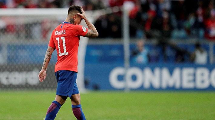 """¿Quiso """"cancherear""""? Revisa el penal que perdió Eduardo Vargas en la goleada que sufrió la """"Roja"""""""