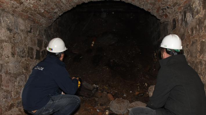 El misterioso túnel hallado bajo avenida La Paz que sería parte de una histórica red subterránea de La Chimba