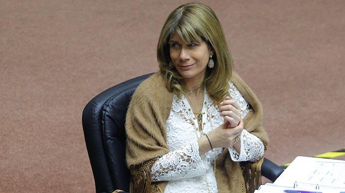 Senadora Ximena Rincón exige la renuncia del director del INE tras dichos de ministro Fontaine