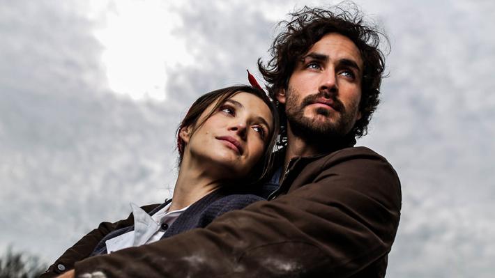 """""""Amor a la Catalán"""", la nueva teleserie de Canal 13 que abordará las diferencias sociales y tomará el horario de """"Río Oscuro"""""""