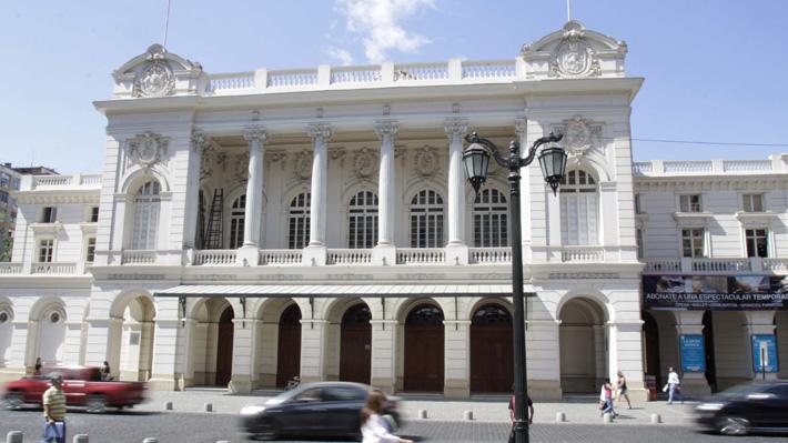 """Luciano Cruz-Coke sobre crisis del Municipal de Santiago: """"La explicación hay que buscarla en la dirección actual del Teatro"""""""
