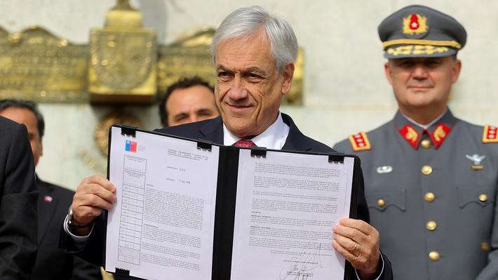 Presidente Piñera firma decreto que permite a las FF.AA. colaborar en el combate al narcotráfico