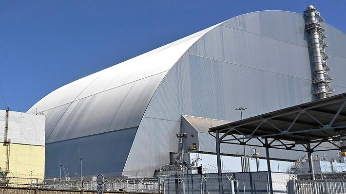 Presidente de Ucrania inaugura nueva estructura en Chernobyl y firma decreto para impulsar los viajes a la zona
