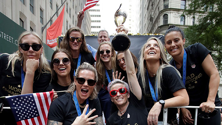 Las imágenes del masivo recibimiento que le dieron a la selección femenina de EE.UU. tras ganar el Mundial