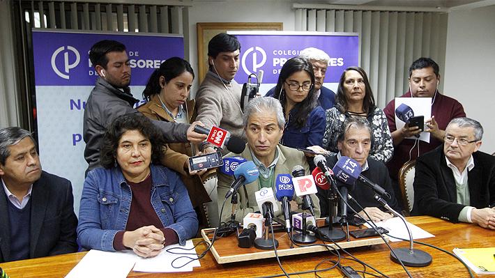 Nuevo revés para Cubillos: Profesores rechazan propuesta del Mineduc y optan por extender el paro tras estrecha votación