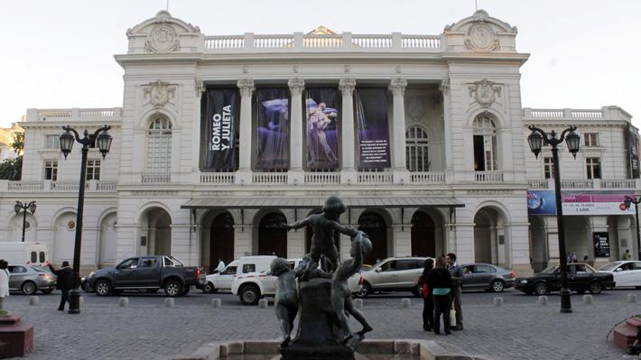 """Consultor por crisis del Teatro Municipal: """"Es impresentable que la institución deba esperar aportes variables para pagar sueldos"""""""