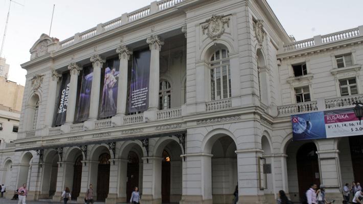 """Alcalde Felipe Alessandri sobre Municipal de Santiago: """"No voy a ser presidente del teatro que va a bajar el telón"""""""
