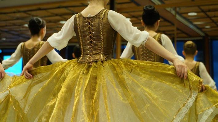 Desde la Escuela de Danza Teatro del Lago al mundo: Dos jóvenes alumnas cuentan sus experiencias en la institución