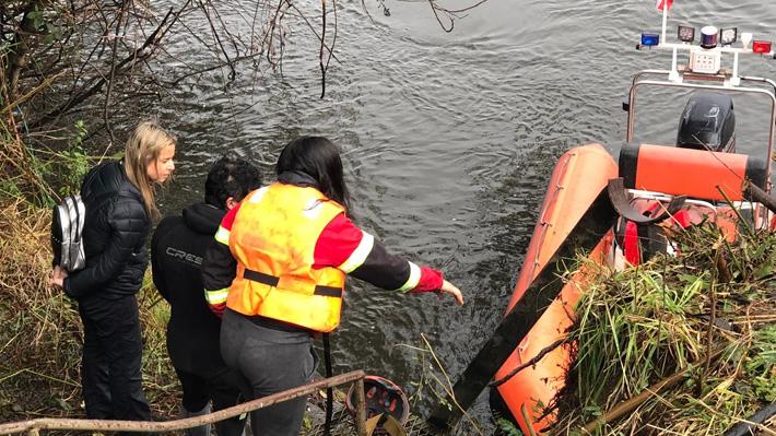 """Fiscal jefe de Osorno tras investigación en planta de Essal: """"A simple vista se puede observar que el petróleo cayó al río"""""""