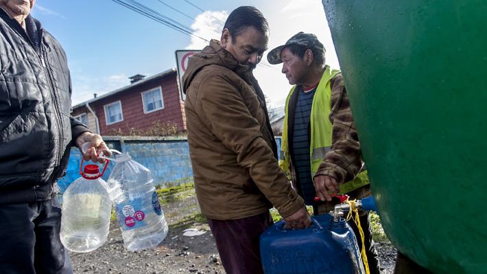 """Corte de agua en Osorno: Intendente dice que suministro estará al 100% """"seguramente el miércoles en la tarde"""""""