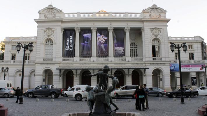Teatro Municipal de Santiago desvincula a 59 trabajadores en el marco de un Plan de Reestructuración para enfrentar la crisis