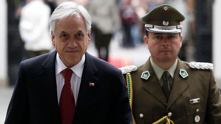 Piñera viaja a EE.UU. para participar en seminario privado: Pagará pasajes y se tomará días administrativos