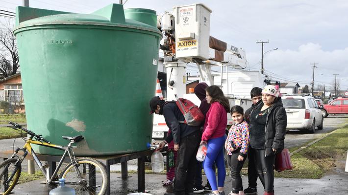 Essal no precisa fecha para reponer completamente agua en Osorno y Gobierno dice que empresa suma nueva infracción