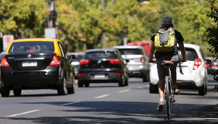 Providencia anuncia ciclovía en Eliodoro Yañez: El análisis de expertos en transporte a la medida
