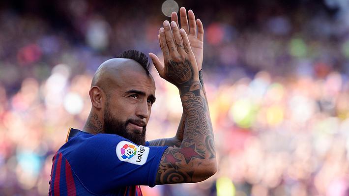 Nueve candidatos para tres puestos: La complicada lucha por la titularidad que tendrá Arturo Vidal en el Barcelona