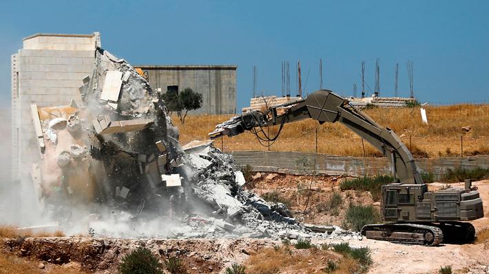 Israel derriba 12 edificios habitados por familias palestinas en Cisjordania