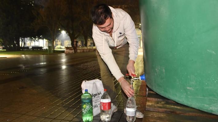 """Alcalde de Osorno asegura que """"la gente no confía aún en la red"""" pese a restitución total de agua potable"""