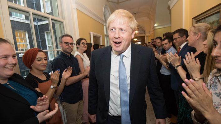 Johnson define su gabinete: Mantiene al ministro del Brexit y pone a un euroescéptico de canciller