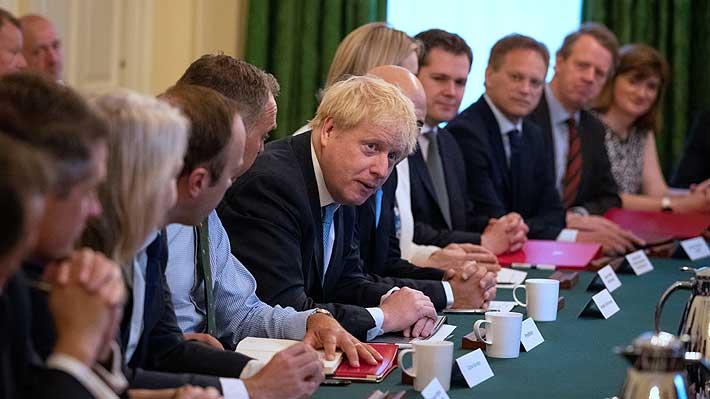 """Johnson realiza su primera reunión de Gobierno y dice a sus ministros que habrá Brexit el 31 de octubre """"sin peros"""""""