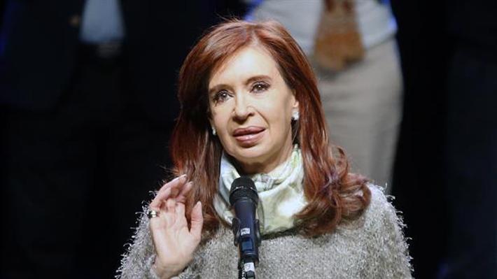 """Cristina Fernández cuestiona política económica de Macri: """"Sorry, pero hoy con la comida estamos igual que Venezuela"""""""