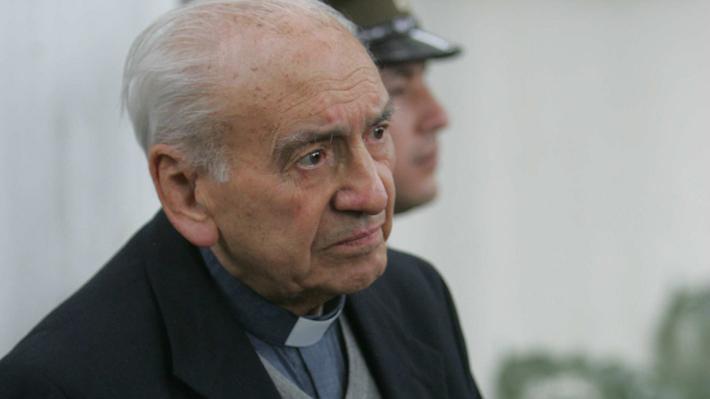"""La autocrítica de los Jesuitas tras la investigación sobre Renato Poblete: """"El dinero (que manejó) permitió que abusara"""""""