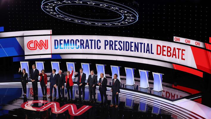 Candidatos moderados critican a Sanders y Warren en primera noche del debate demócrata en EE.UU.
