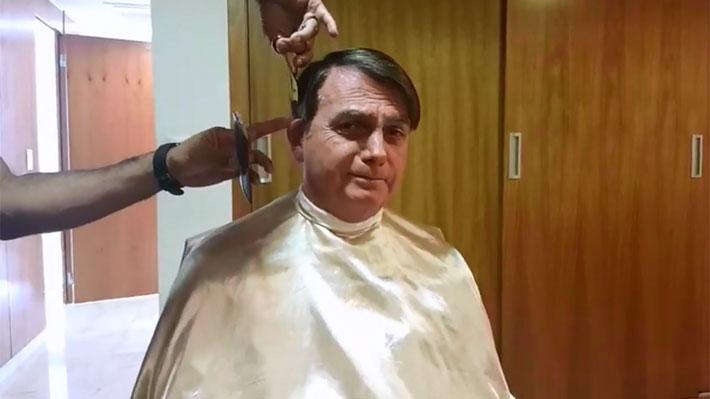 Bolsonaro deja plantado a canciller francés y acude a la peluquería a cortarse el pelo