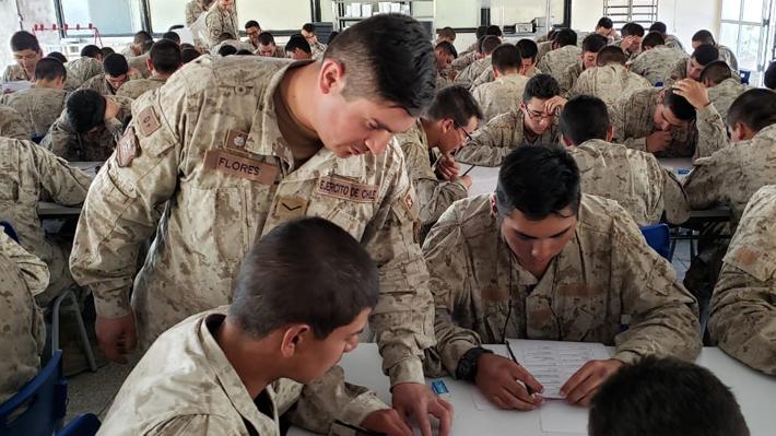 Diputado UDI propone que migrantes con residencia definitiva puedan realizar el servicio militar