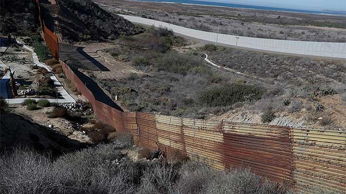 Inmigrante salvadoreño que viajaba con su hija murió bajo custodia policial en EE.UU.